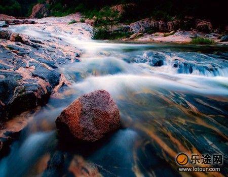 秋天,硕果累累时的彩石溪