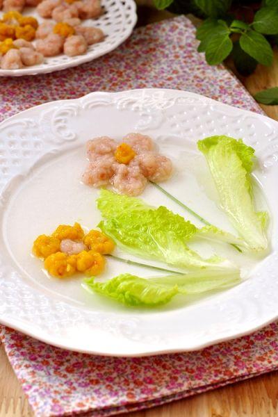 花朵虾肉饼