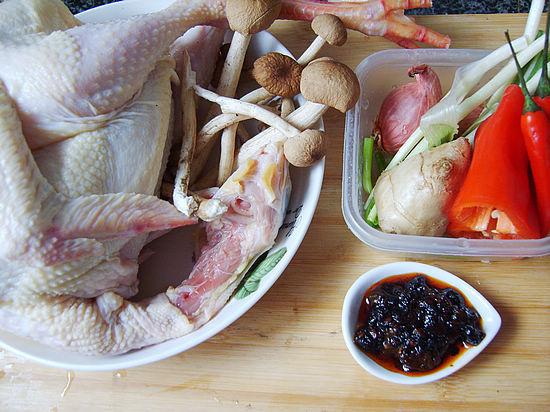 茶树菇干锅鸡材料