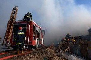 长江村木材加工厂发生火灾