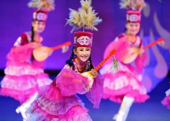 六一儿童节俄罗斯少年长春文化广场献艺