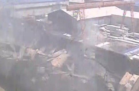 灭火后厂内的情况 视频截图