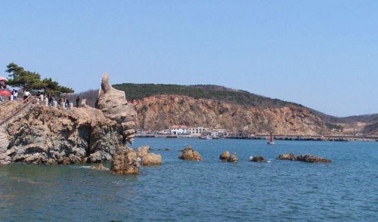 大连老虎滩海洋公园坐落在国家级风景名胜区——大连南部海滨的中部.