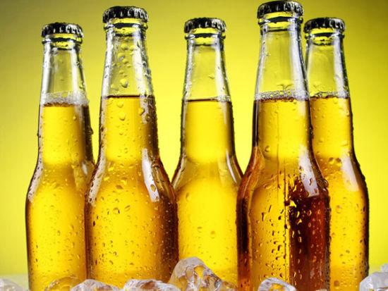 夏天喝啤酒警惕7种啤酒病