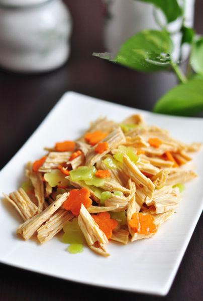 夏季美味家常菜凉拌腐竹
