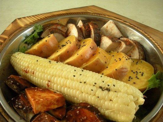想到单位食堂的大锅菜就没胃口;外出拼饭的成本越来越高;叫外卖,