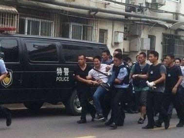 武汉小区突发绑架