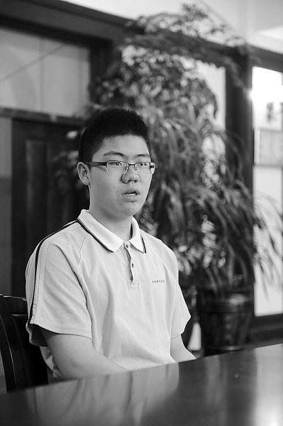 15岁高一学生参加高考 把不安分因子转换成学习的动力