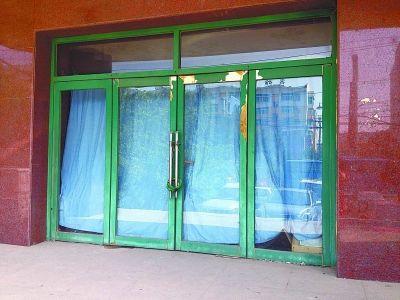 开发商办公室大门上锁