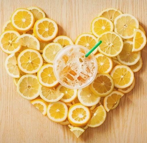 柠檬片泡水图片_干柠檬片泡水的功效常喝柠檬泡水的好处是什