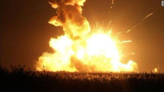 美无人火箭发射时爆炸