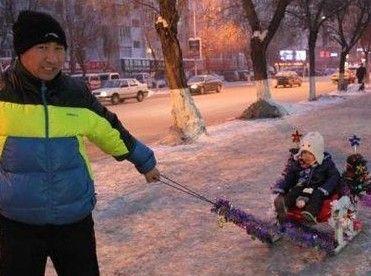 江城男子自制雪橇