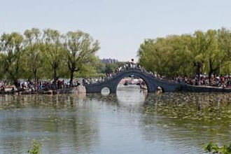 昨35万人涌入南湖